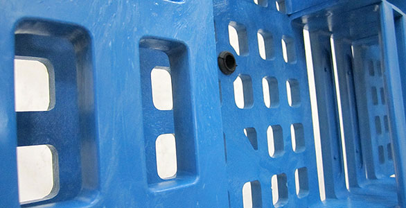 plastic pallets and bins available online